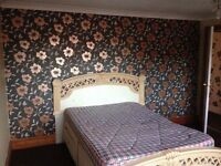 Double bedroom £380-£500