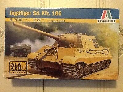 ITALERI 1/72 WW II German Jadgtiger Sd. Kfz. 186 Tank 7030 FACTORY SEALED