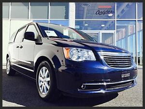CHRYSLER TOWN & COUNTRY TOURING EN ATTENTE D'APPROBATION