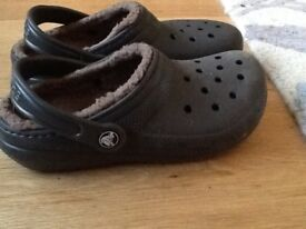 Crocs brown fleece lined UK 3