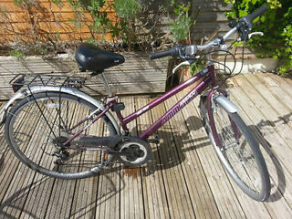 Perfect condition women's bike with gel seat