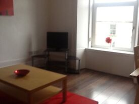2 bed flat immaculate condition near town centre and all transport links. Sold as seen if preferred.