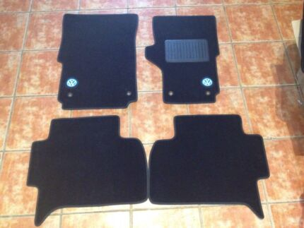 VW Amarok floor mats 2009 Orelia Kwinana Area Preview