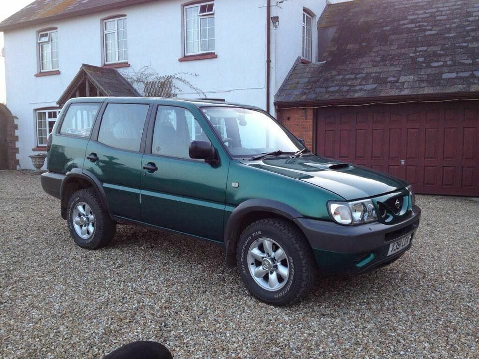 nissan terrano ii 4x4 2 7 diesel excellent condition new battery wheel hubs bf goodrich tyres. Black Bedroom Furniture Sets. Home Design Ideas
