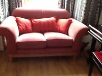Lovely 2 piece sofa suite, a 3-seater and a 2 seater.