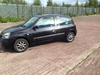 2004 54 plate Clio 1.2 6 months mot £425 no offers