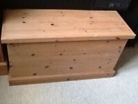 Solid pine bedroom trunk ottoman