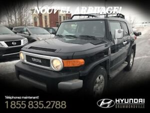 TOYOTA FJ CRUISER 4WD 2009 + UPGRADE PACKAGE 2+ HITCH + A/C + CR