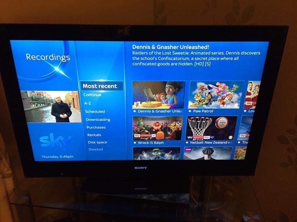 """Sony Bravia 40"""" LED HD Smart Internet Tv with freeview 