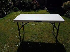 121cm x 60cm (4ft long) Folding Table