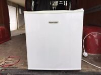 Coolzone counter top fridge, good condition, clean and in fully working order