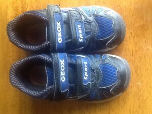 Geox boys toddler running shoes / sneakers size 7 1/2
