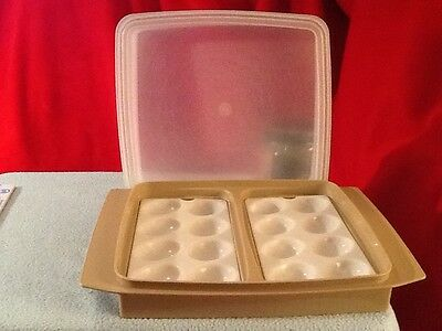 Vintage Tupperware Deviled Egg Keeper Server Tray with Lid # 723 in Beige U.S.A