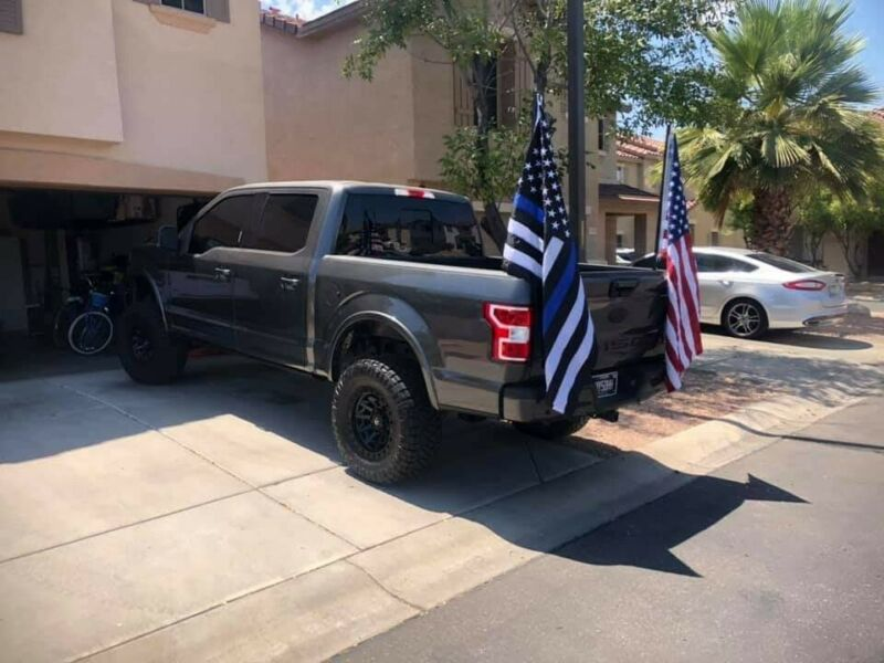 FLAGPOLE TRUCK BED MOUNT
