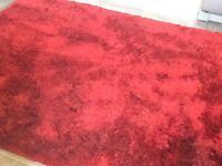 Large shag rug. Wine coloured 200cms x140cms. Ex Dunelm. Good condition