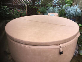 Hot Tub - Softub Legend T220 4 person tub available in Camel / Pearl.