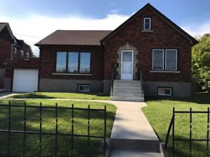 House for sale ***scheduling viewings for Sunday March 24***