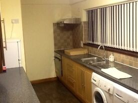 4 bed Semi-detached house to let
