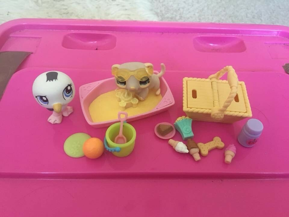 Littlest pet shop seagull and ferret seaside toy set