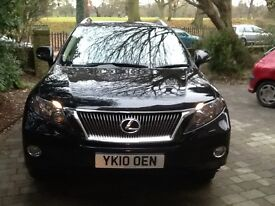 Luxurious drive with roof rails and SAT NAV ,serviced this week , 2 new tyres M.O.T until End Oct 17
