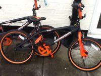2 bmx bikes ( muddy fox)