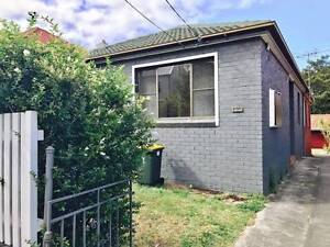 Rooms in bondi juction !! good location perfect for summer Bondi Junction Eastern Suburbs Preview