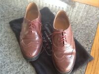 Brogues size 8