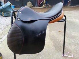 """17"""" GP saddle"""