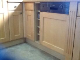 A beautiful maple wood, shaker style complete Kitchen and Utility units FOR SALE
