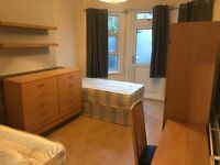 good price SHARED ROOM / TWIN ROOM only 5 minutes walking from TURNPIKE LANE Station. ALL INCLUDED