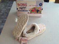 Ladies Skechers memory foam slipper, size 4