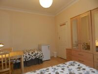 Twin Rooms in Friendly & Clean Shared House Zone 2. All bills included