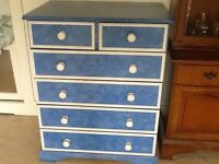 Painted chest of drawers (pine)
