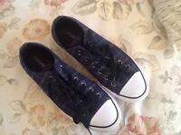 Ladies Converse Nighttime dark blue plaid plimsolls/trainers size 7