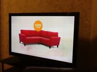 Samsung 43 inch tv lcd with stand and remote. Excellent condition