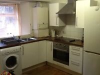 2 x DOUBLE BEDROOM, CITY CENTRE FLAT, SUPERB LOCATION