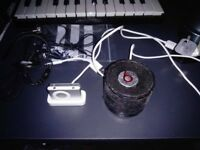 Ipod shuffle 1GB+BEATS BY DR. BRE. HX-S10 portable Speaker,Dock Station Apple