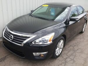 2013 Nissan Altima 2.5 SL EXCELLENT AND FEATURE-RICH SEDAN WI...