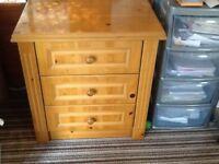 Pine 3 drawer unit