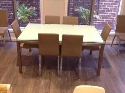 Glass dining room extension table with 8chairs