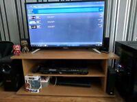 Sharp 32 inch tv + tv cabinet