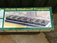 SUPER 7 ELECTRIC WINDOWSILL PROPAGATOR £20