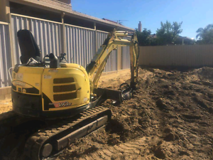 Excavator and rockbreaker plus all other earthmoving services Eglinton Wanneroo Area Preview