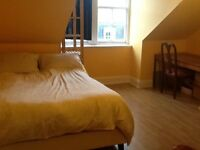 Double room in the city centre, ideally for couples!