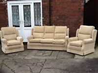 Beige fabric 3 piece suite very comfy nice warm fabric £199 can deliver free locally