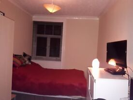 Two lovely double rooms available End Feb - Flat share