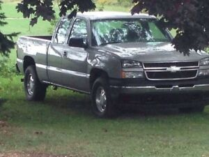 Parting out 2003& 2006 Chevy Silverado Trucks