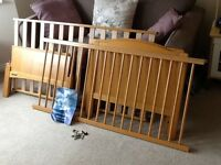 Mamas and Papas cot/bed. Non smoking house. Very Good condition.