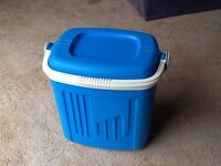 Coolbox icebox beer container food cooler