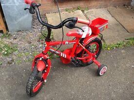 Red bike aged 3-5